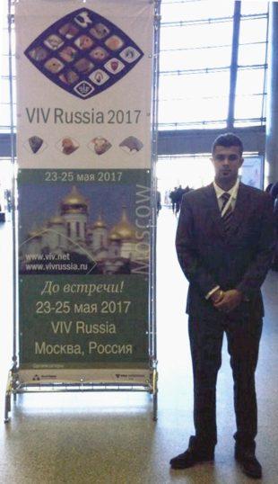 2015年5月25日 | · · 2015年百卫在莫斯科参加VIV会议
