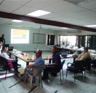"""El equipo veterinario de la empresa """"Biovet SA"""" fue a El Salvador para pasar el día de entrenamiento."""